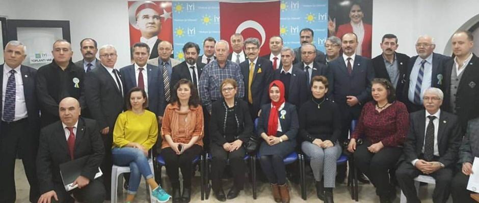 İYİ Parti'den toplu istifa