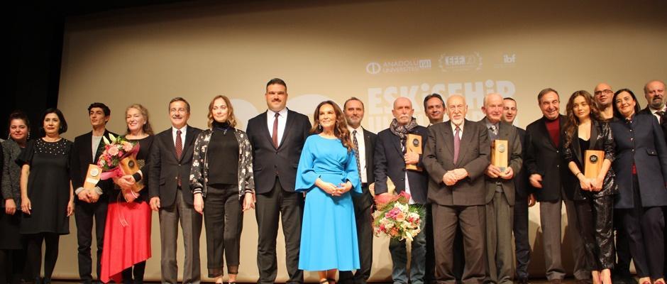 Uluslararası Film Festivali'nde görkemli açılış