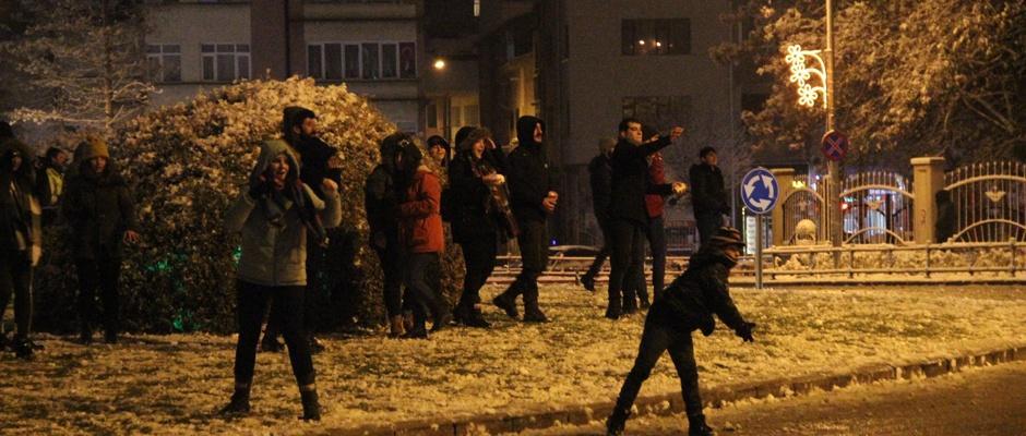 Eskişehir'in 'Geleneksel Kartopu Savaşları' başladı