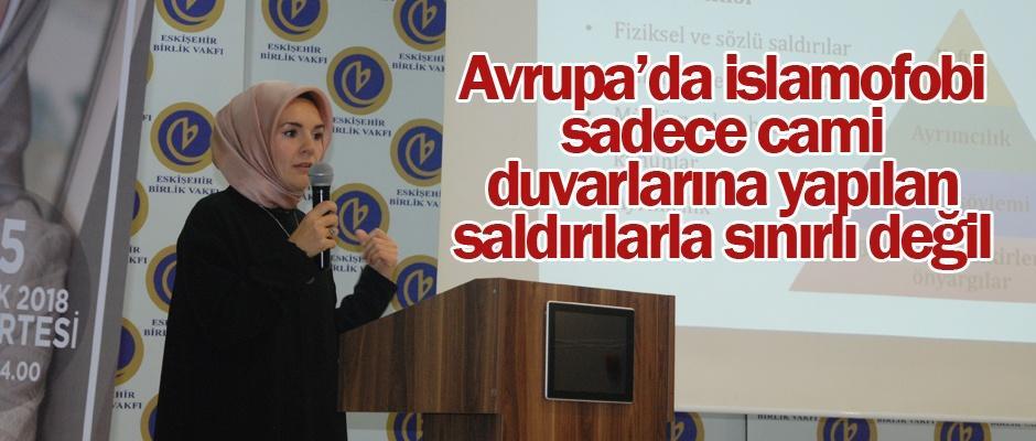 """""""İz Bırakan Kadınlar"""" ödülü Özdemir'e"""