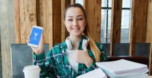 Öğrenciler Sınavlara Telefonla Hazırlanıyor