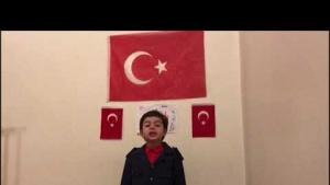 6 yaşında İstiklal Marşı'nın 10 kıtasını hatasız okuyor