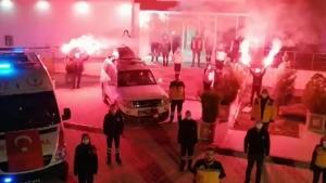 İstiklal Marşı okunup ambulans sirenleri çalındı