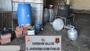 Jandarmadan kaçak alkol ve kenevir imalathanesine operasyon