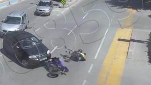 Motosiklet kazaları kameralara yansıdı
