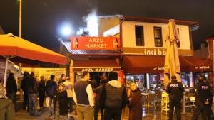 Yangında işletmesi hasar gören kadın gözyaşlarına hakim olamadı