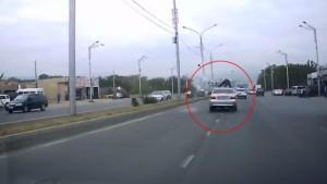 Bisikletli şahsın sol şerit merakı kazayla bitti