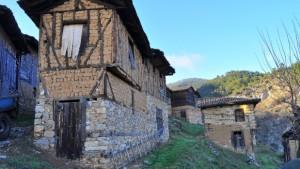 Bu evler yüzlerce yıllık