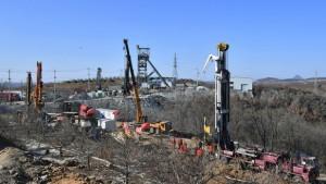 Çin'de altın madeninde mahsur kalan madencileri kurtarma çalışmaları 9'uncu gününde