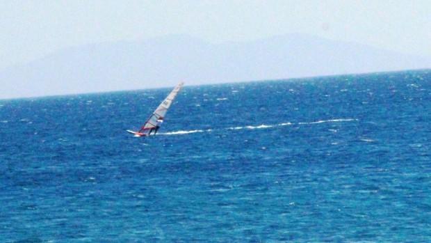 Bodrum'da sörfçünün zor anları