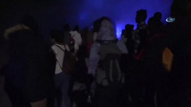 Fransa'ya geçmeye çalışan mültecilere biber gazı