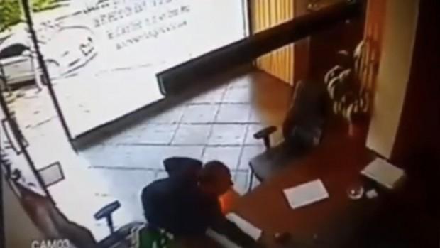 Telefon hırsızına meydan dayağı