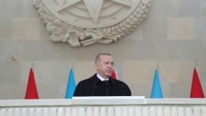 Cumhurbaşkanı Erdoğan, Bakü'de Zafer Geçidi Töreni'ne katıldı