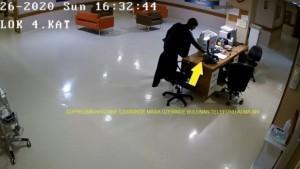 Doktorun telefonunu çaldı güvenlik kameralarına yakalandı