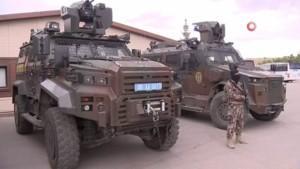 Güvenlik güçlerinin koruyucuları zırhlı araçlar