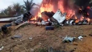 Kolombiya'da uçak düştü:12 kişi hayatını kaybetti