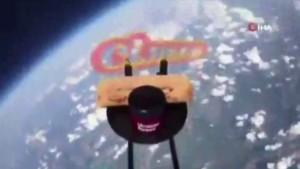 Ukraynalı süpermarket zincirinden ilginç reklam kampanyası: Uzaya çorba ve ekmek gönderildi