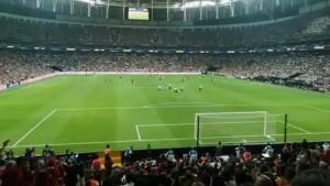 Youtuber, Süper Kupa maçında sahaya böyle girdi